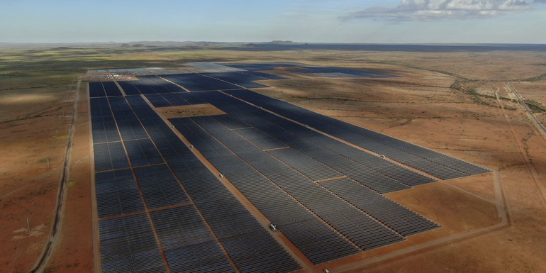 Upington-solar-power-plant-2-scaled.jpg